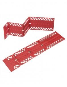 Folding anti-slip rescue plates for vehicles